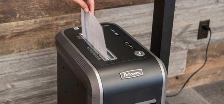 thuiswerken-thuiskantoor-vertrouwelijk-papier-papiervernietiger-shredder